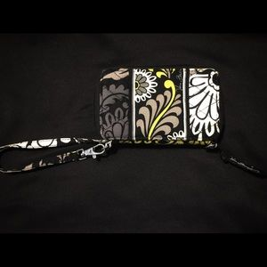 Vera Bradley Bags - Vera Bradley wristlet green and black floral